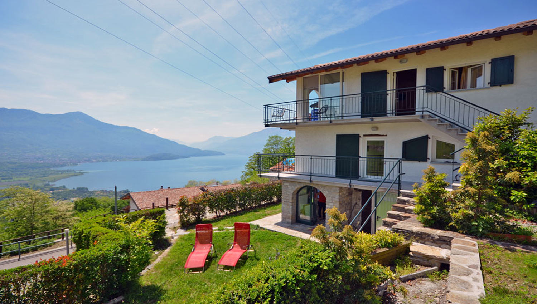 Case vacanze como lago casa delle camelie sorico - Casa piano rialzato ...